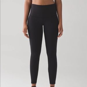 Wunder under size 4 lululemon!